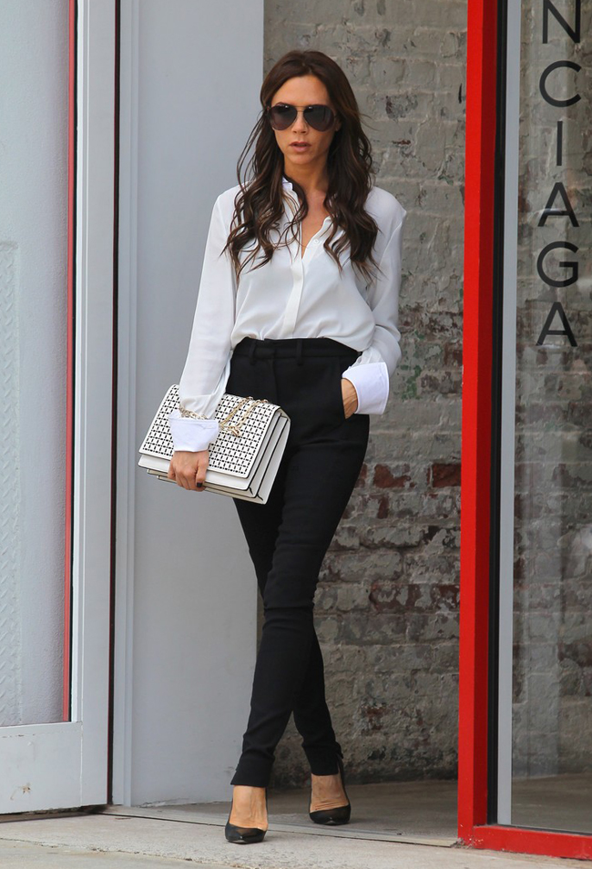 Victoria Beckham Goes Shopping In NYC