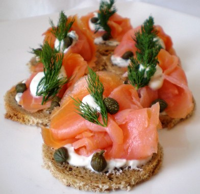 Somon f meli kanepe nas l yap l r h for Smoked salmon cream cheese canape